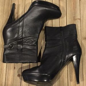 New  Mark Fisher black leather booties size 9